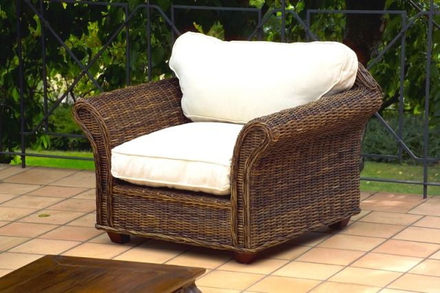 Salotto in croco rattan con divano 2p outlet mobili etnici for Divano rattan