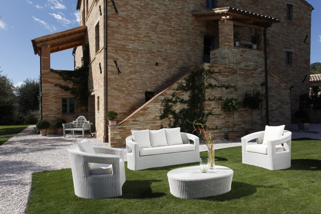 Poltrona bianca polyrattan - Arredo giardino design outlet ...