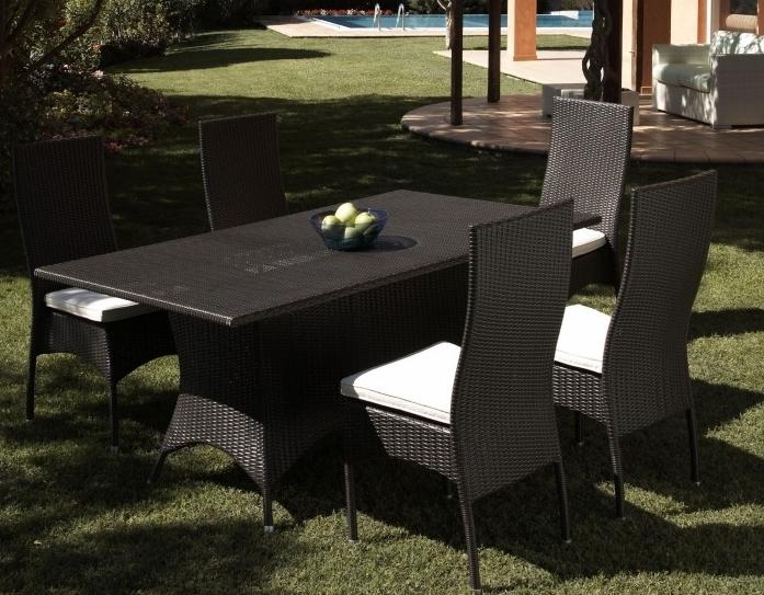 Sedia rattan impilabile nero etnico outlet mobili etnici for Mobili da giardino resina