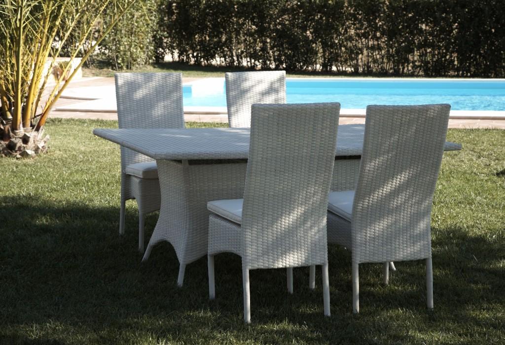 Set da pranzo per giardino bianco - Set da giardino ...