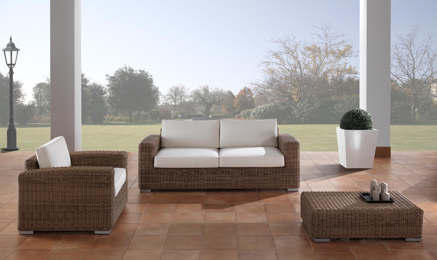 Tavolino rattan sintetico for Occasioni mobili da giardino