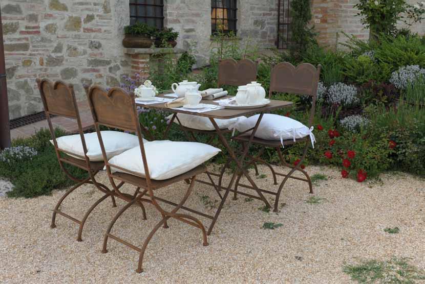 Tavolo pieghevole ferro brunito - Etnico Outlet mobili etnici