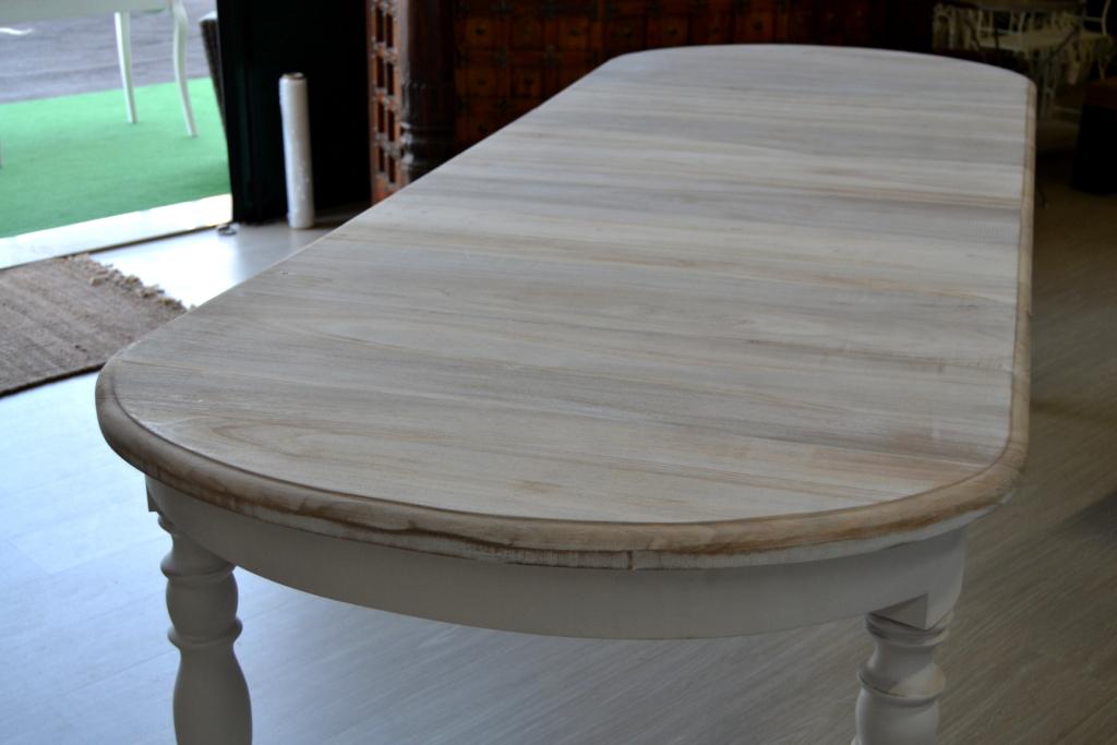 Tavolo ovale bianco shabby chic allungabile tavoli for Tavolo ovale legno grezzo