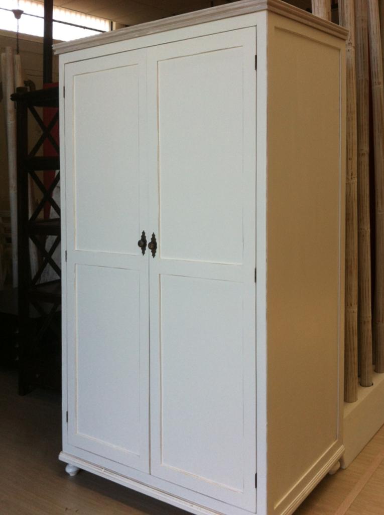 Armadio legno bianco shabby chic armadi provenzali for Armadi in saldo