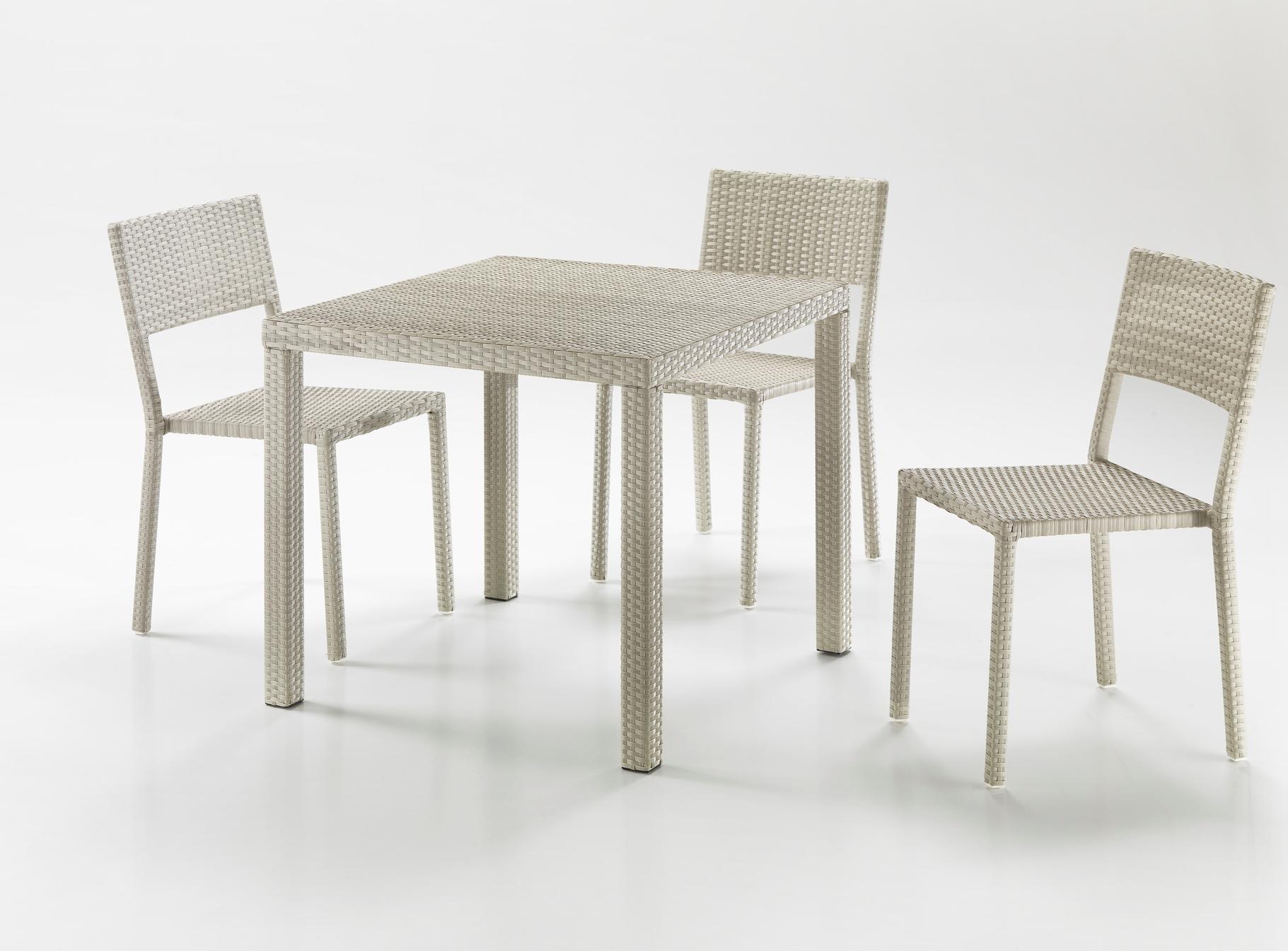 Tavolo quadrato bianco etnico outlet mobili etnici - Tavolo cucina quadrato ...