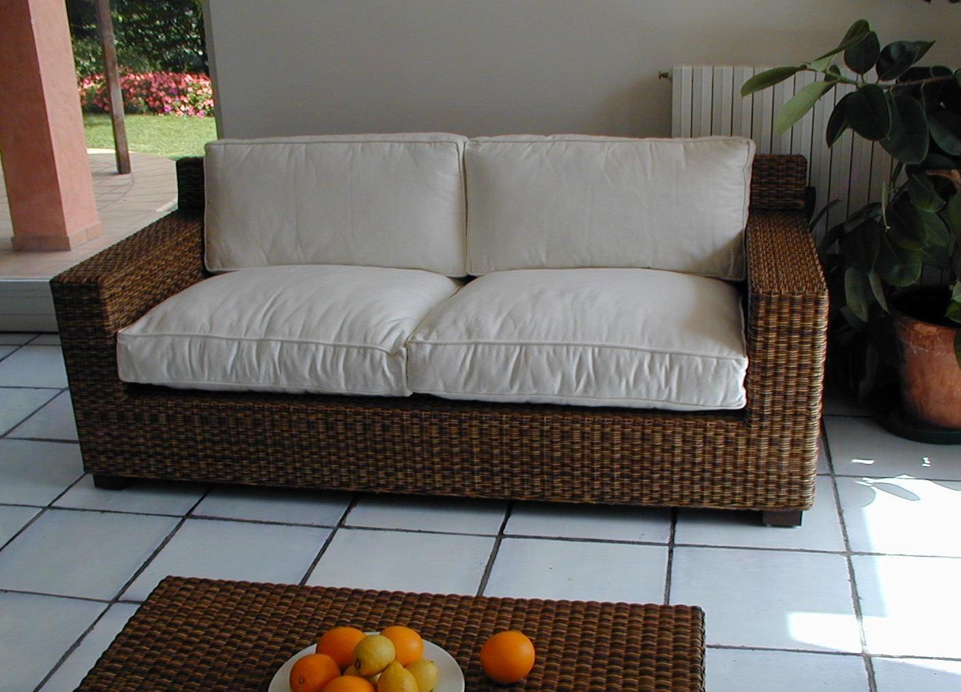 Salotto in midollino con divano 2 posti etnico outlet - Divani in rattan per interno ...