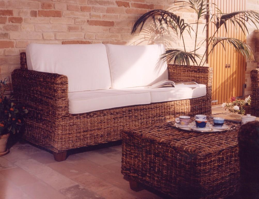 Salotto in fibra naturale con divano 3p outlet mobili etnici - Divano in banano ...