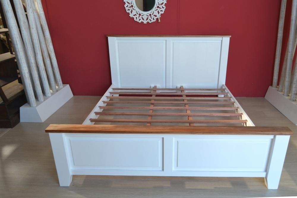 Letto shabby legno bianco Promozioni e Offerte OnLine