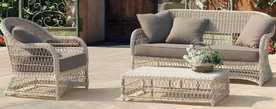 Tavolino per esterno anticato mobili provenzali shabby for Mobili da esterno offerte