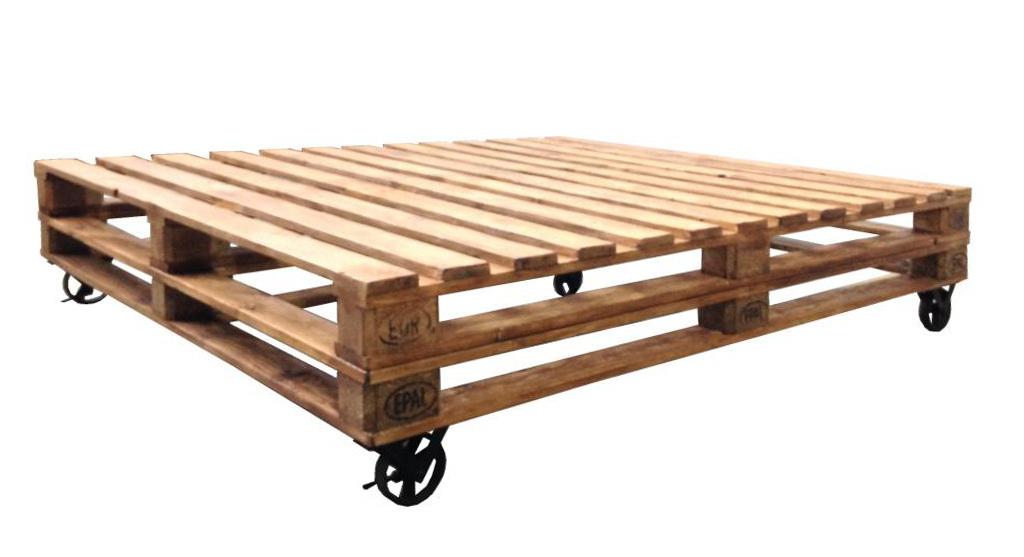 Letto bancali con ruote ethnic chic mobili industrial - Ruote per mobili vintage ...