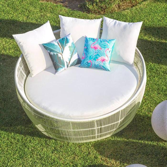 Letto tondo da giardino bianco mobili giardino sconti 70 - Letto da giardino ...