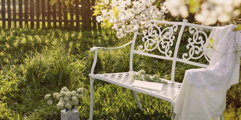 Mobili in ferro battuto provenzali sconti offerte e for Sconti mobili da giardino