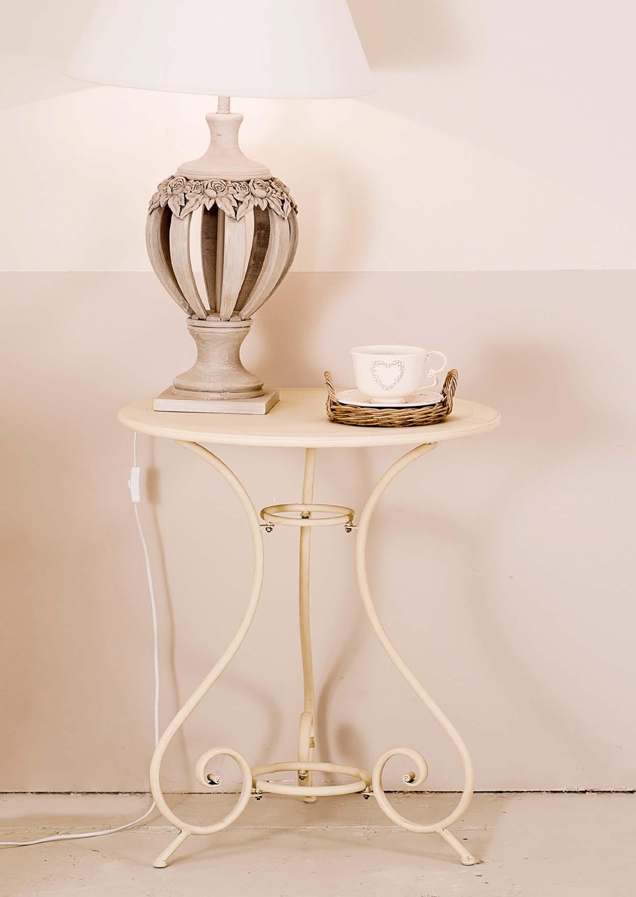 Tavolino provenzale in ferro battuto bianco 61x61 h78 for Mensole in ferro battuto