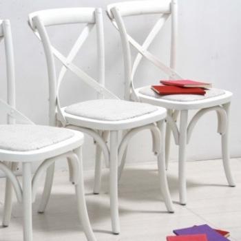 Sedia shabby bianca sedie provenzali legno shabby chic - Canne usate per realizzare sedie e tavoli ...
