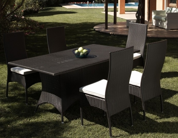 Set da giardino tavolo con sedie etnico outlet mobili for Mobili da giardino rattan sintetico