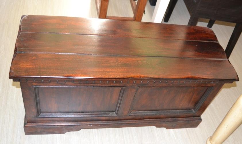 Cassapanca in legno massiccio for Salottini esterno economici