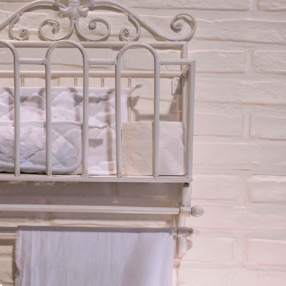 Porta telo e oggetti in ferro bianco etnico outlet mobili etnici - Mobili bagno in ferro battuto bianco ...
